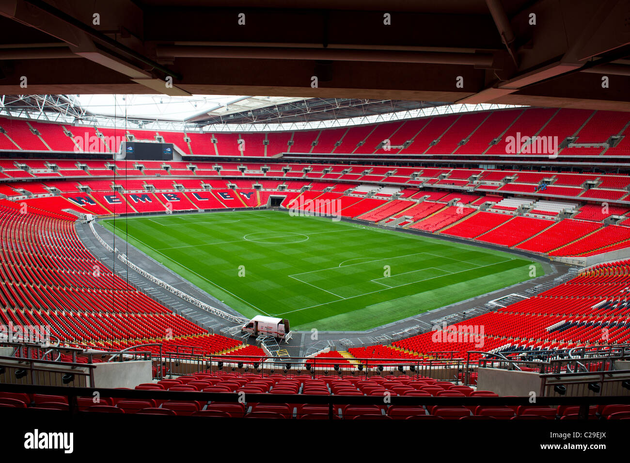 Wembley football stadium empty - Stock Image