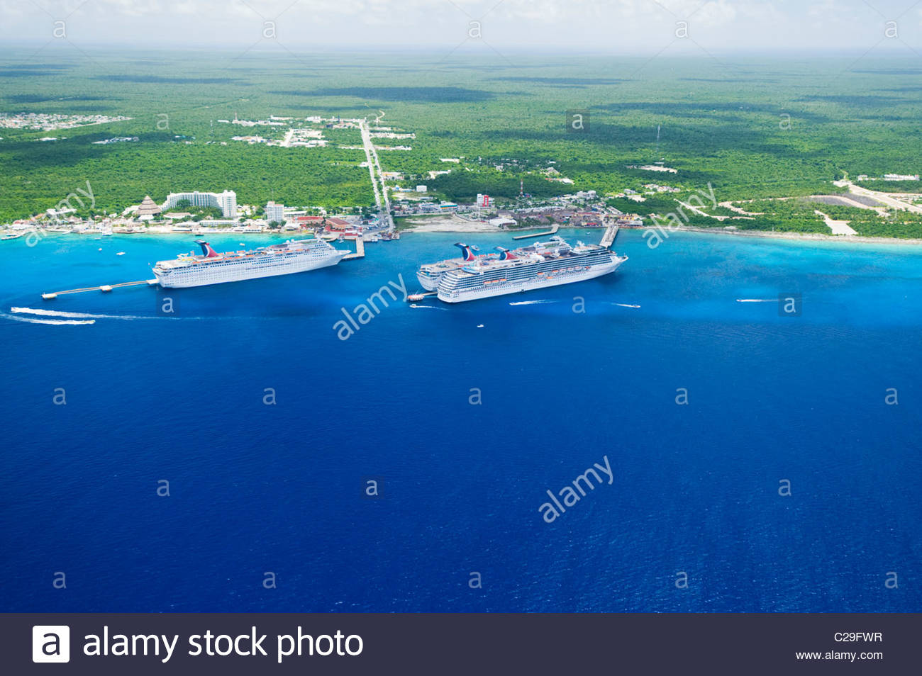 Aerial view of cruise ships docked at Cozumel, Mexico. - Stock Image