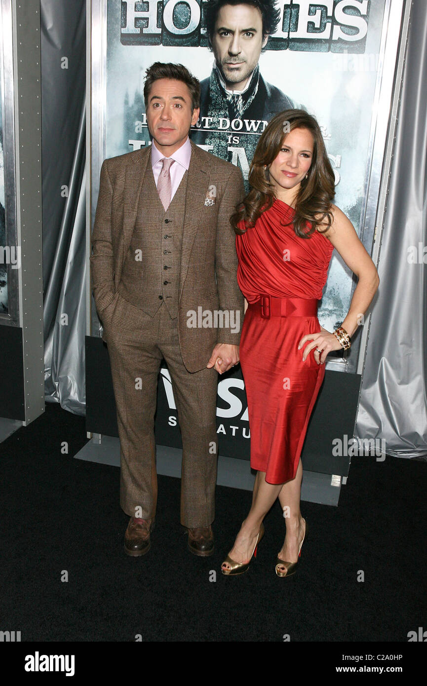 Robert Downey Jr. And Susan Downey New York premiere of 'Sherlock Holmes' at Alice Tully Hall - Arrivals - Stock Image