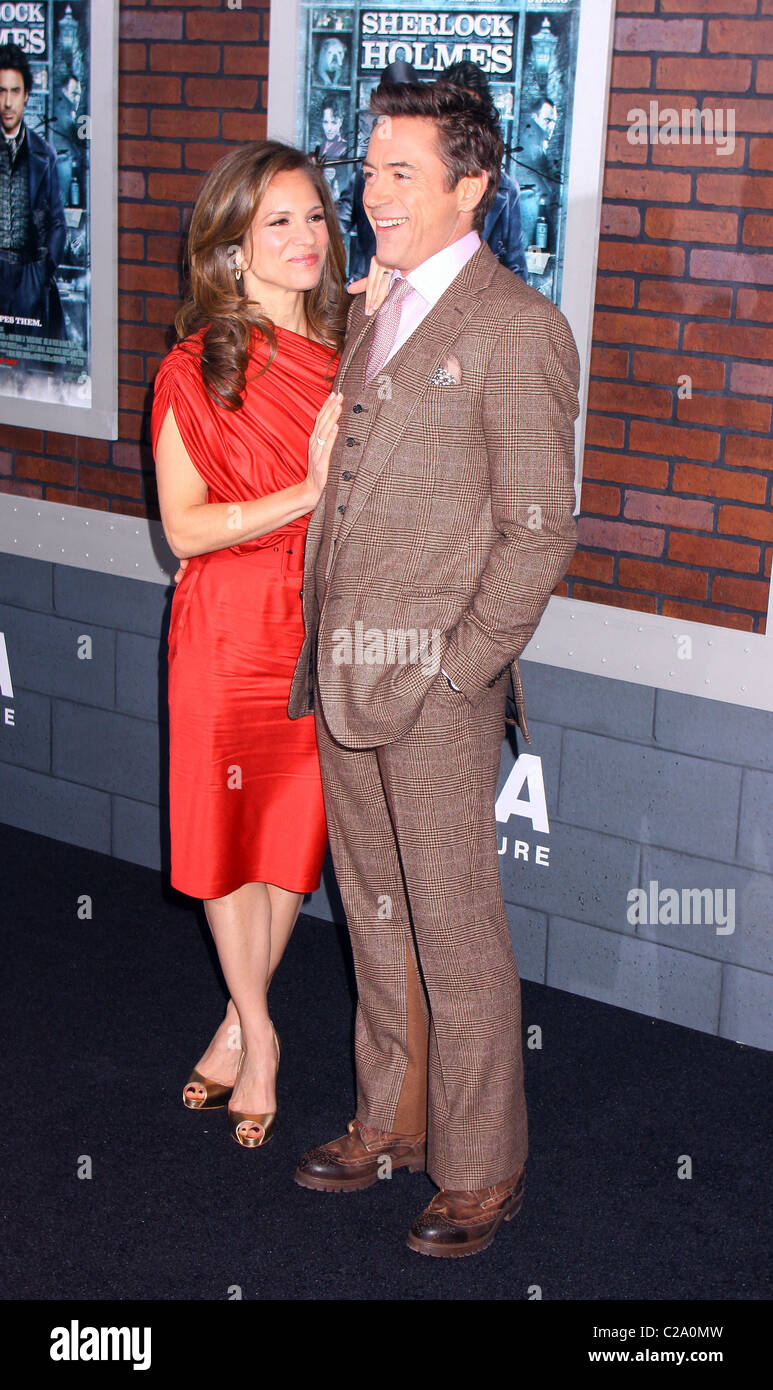 Susan Downey and Robert Downey, Jr. New York premiere of 'Sherlock Holmes' at Alice Tully Hall - Arrivals - Stock Image