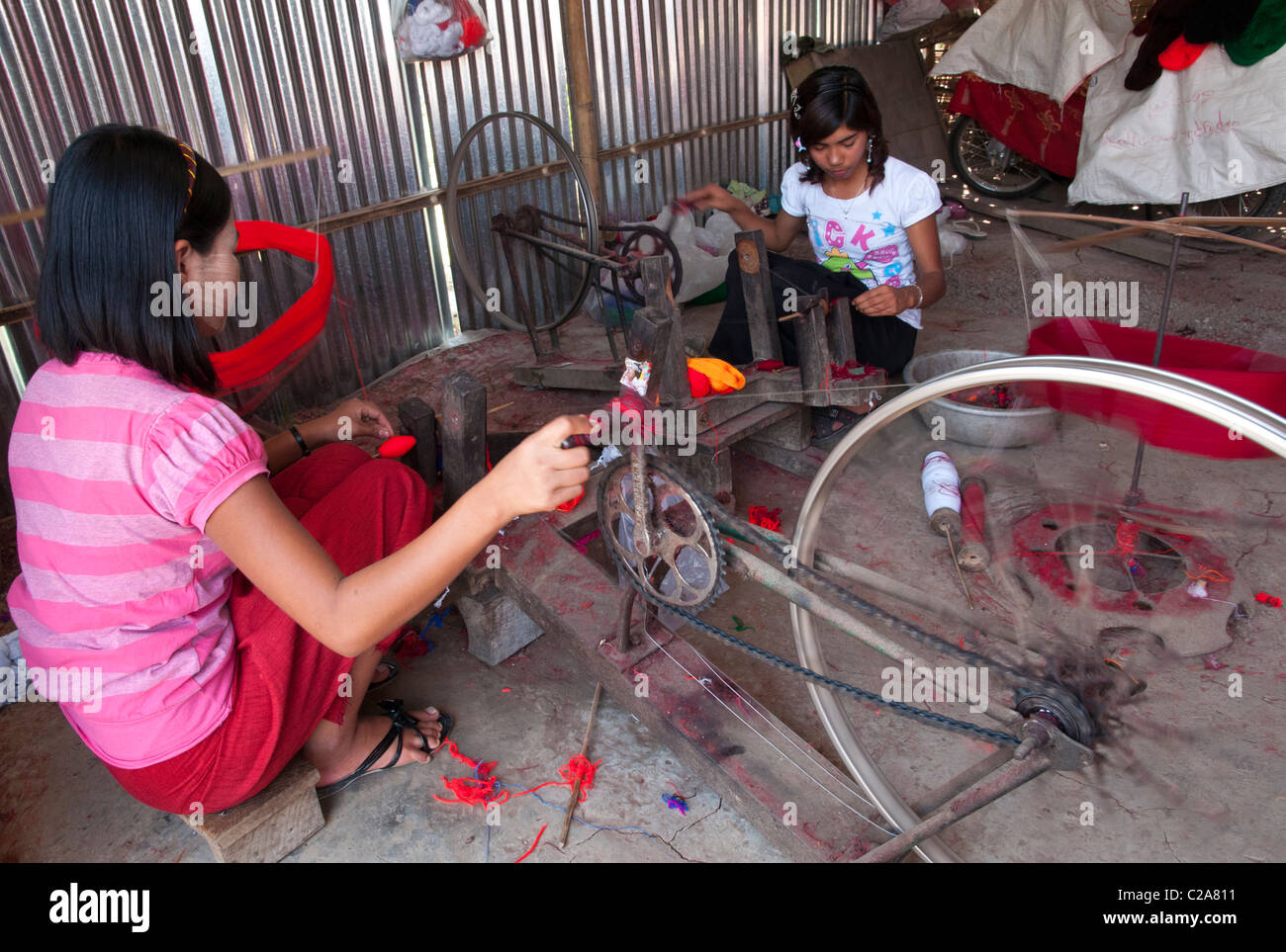 weaving workshop for traditional ethnic Pa Oh handycraft. Augban. Myanmar Stock Photo