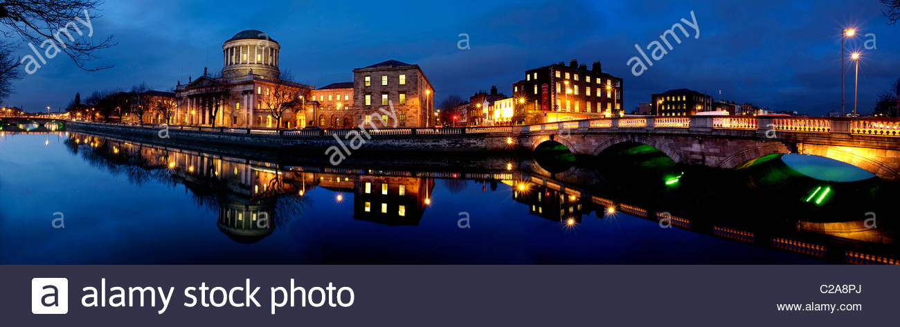 Four Courts on the River Liffey in Dublin, Ireland. - Stock Image
