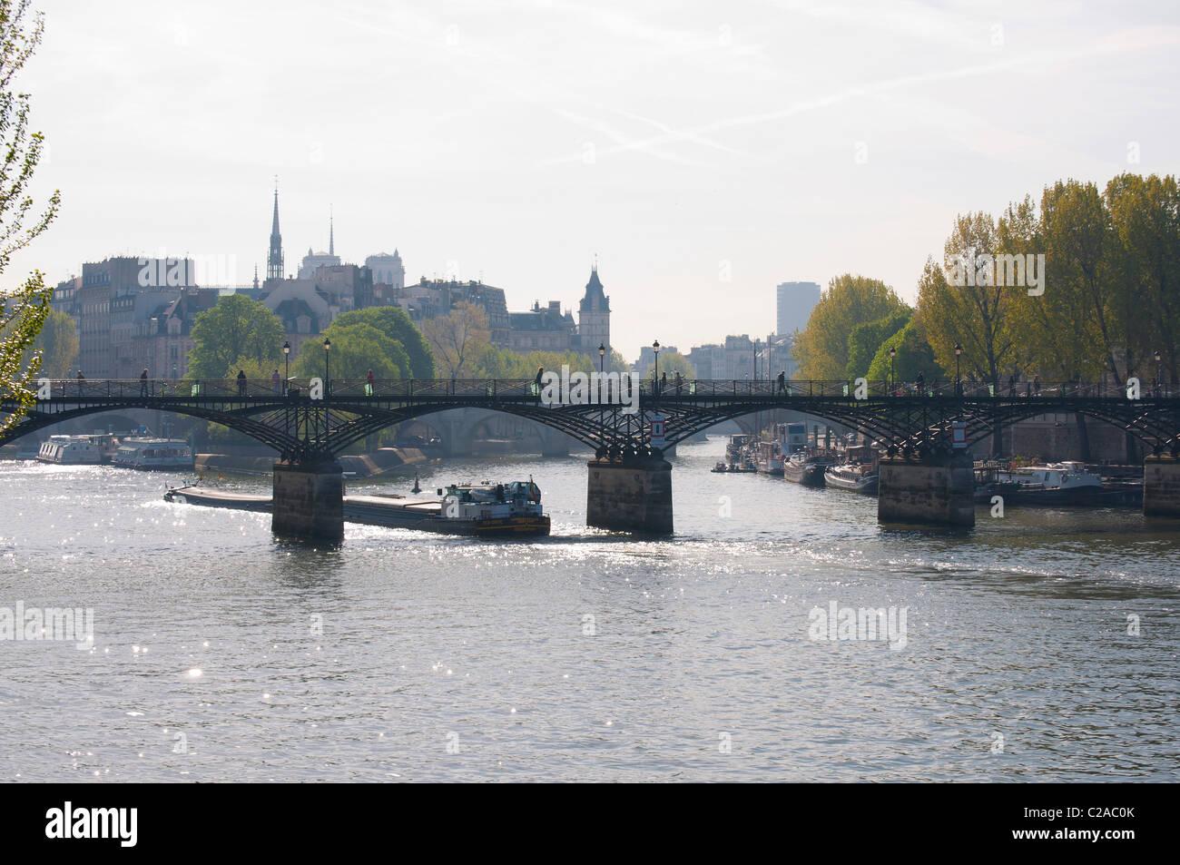 le pont des Arts et la Seine - Stock Image