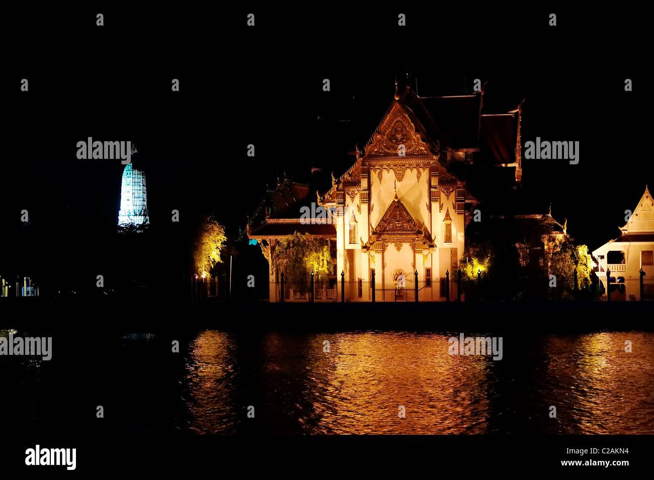 Wat Rakhang at Night - Bangkok - Stock Image