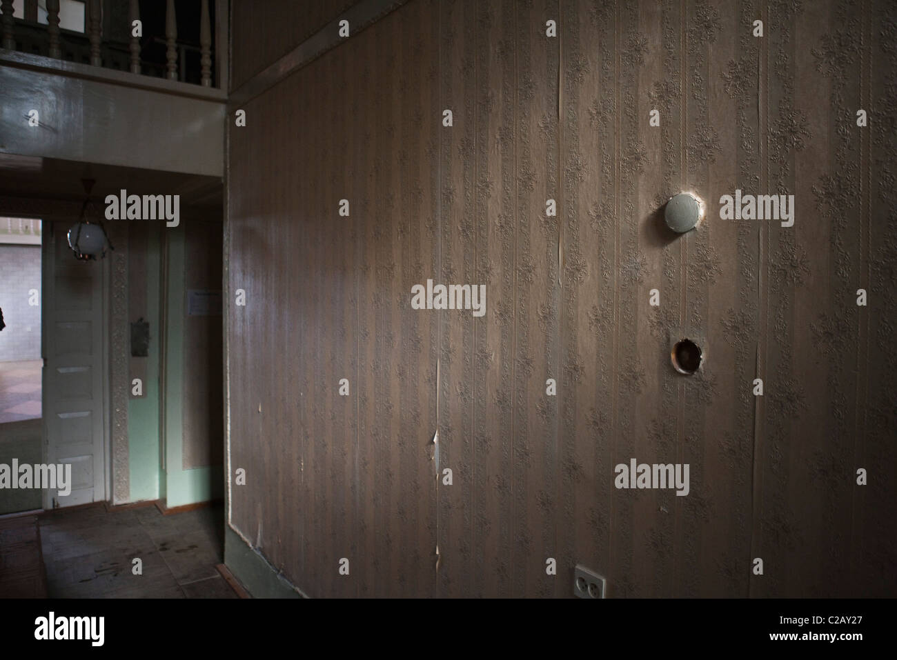 Inside of run-down house - Stock Image