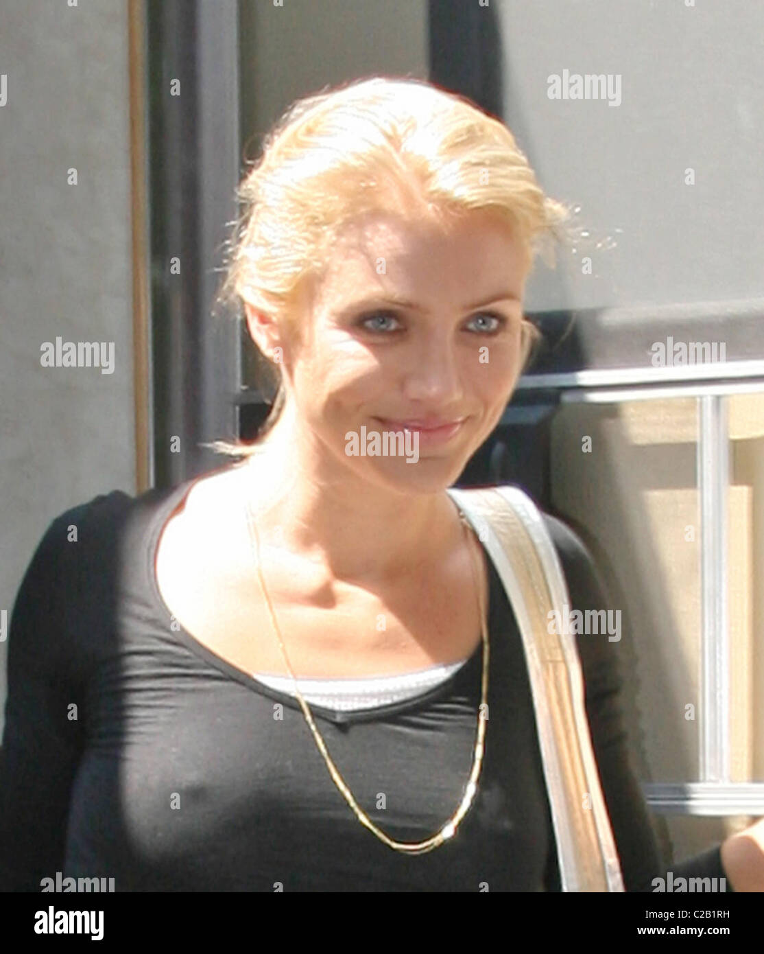 cameron diaz leaves the set of her new film 39 what happens in stock photo 35892965 alamy. Black Bedroom Furniture Sets. Home Design Ideas