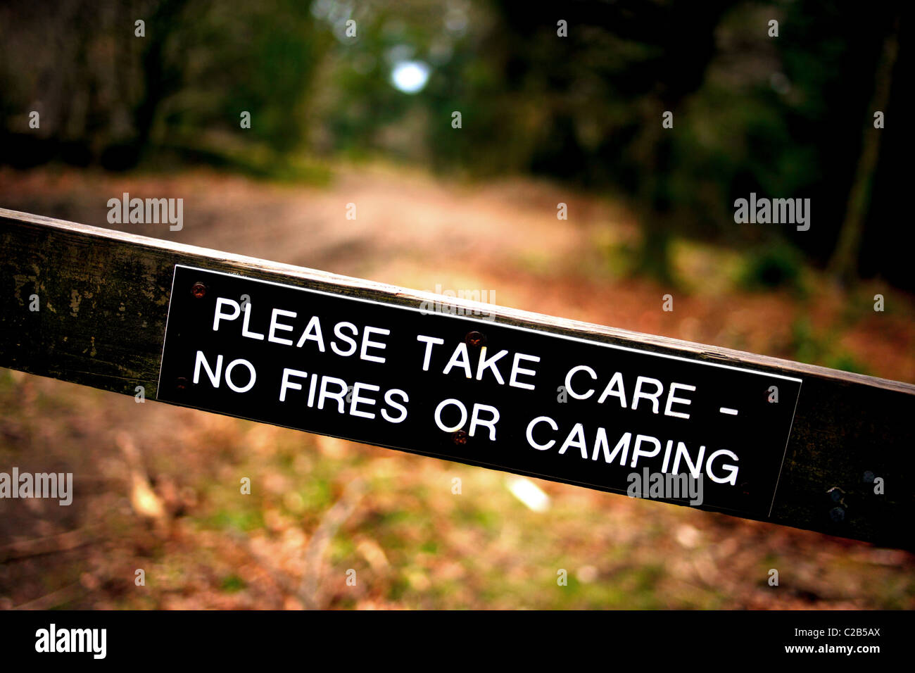 No fires or camping warning sign. - Stock Image