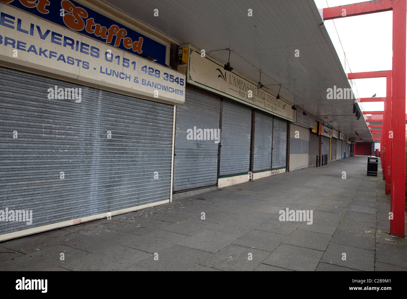 Derelict shopping centre in Belle Vale, Liverpool - Stock Image
