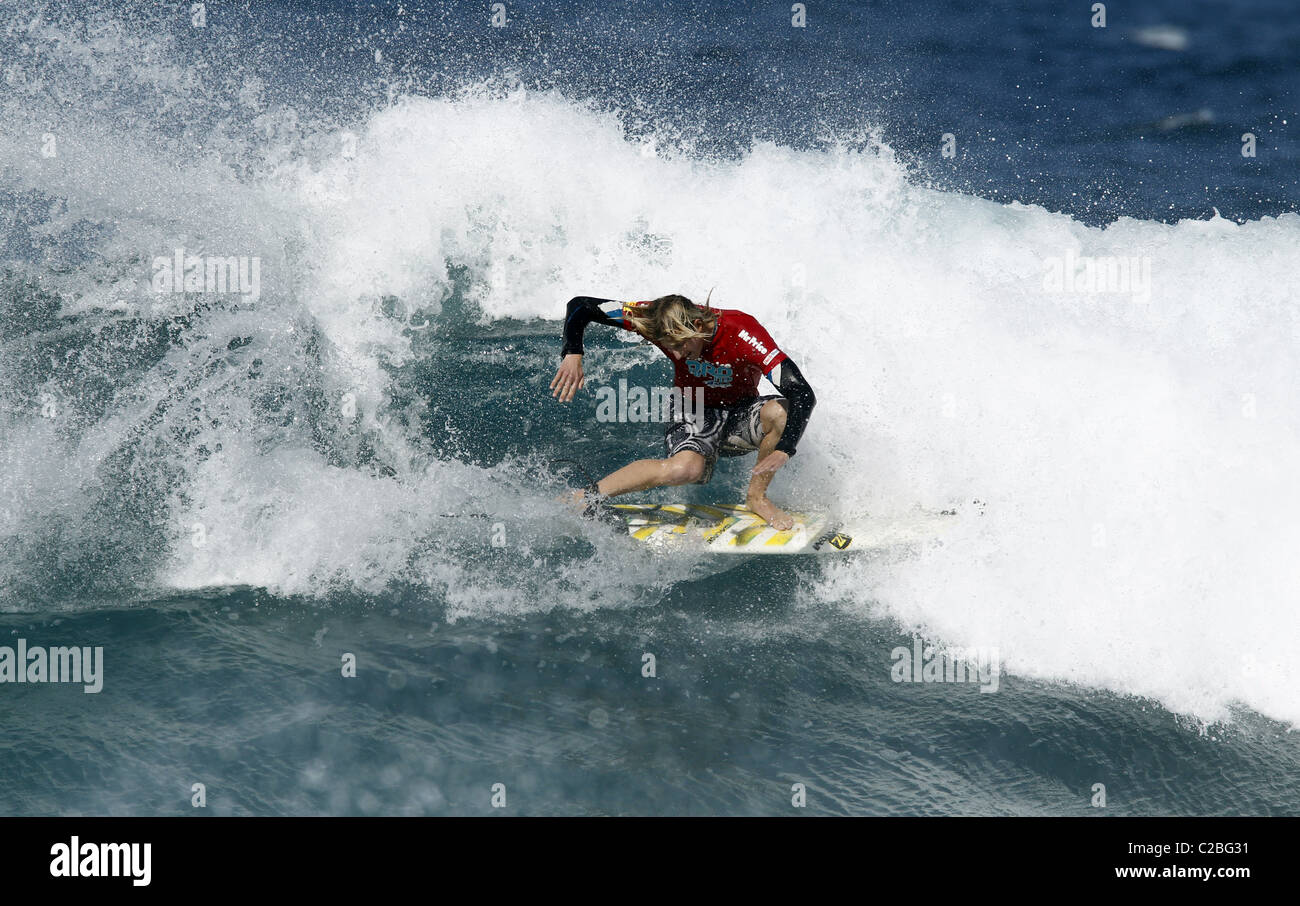 MATTHEW BROMLEY SOUTH AFRICAN PRO SURFER SOUTH AFRICAN PRO SURFER BALLITO NATAL SOUTH AFRICA 08 July 2010 - Stock Image