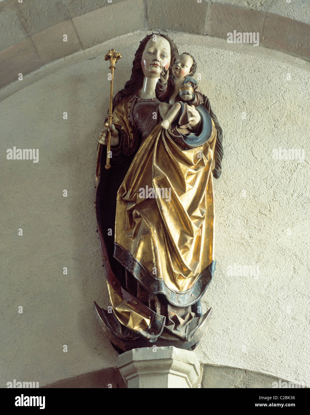 Madonnenfigur mit Jesuskind in der evangelischen Kirche St. Johannis in Schweinfurt, Main, Unterfranken, Bayern Stock Photo