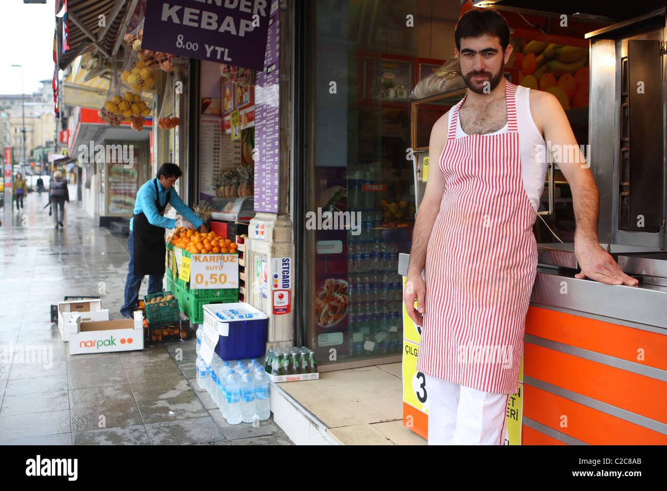 Tuerkei- Istanbul, 2008-09-28, street vendor snack arab late night male late - Stock Image