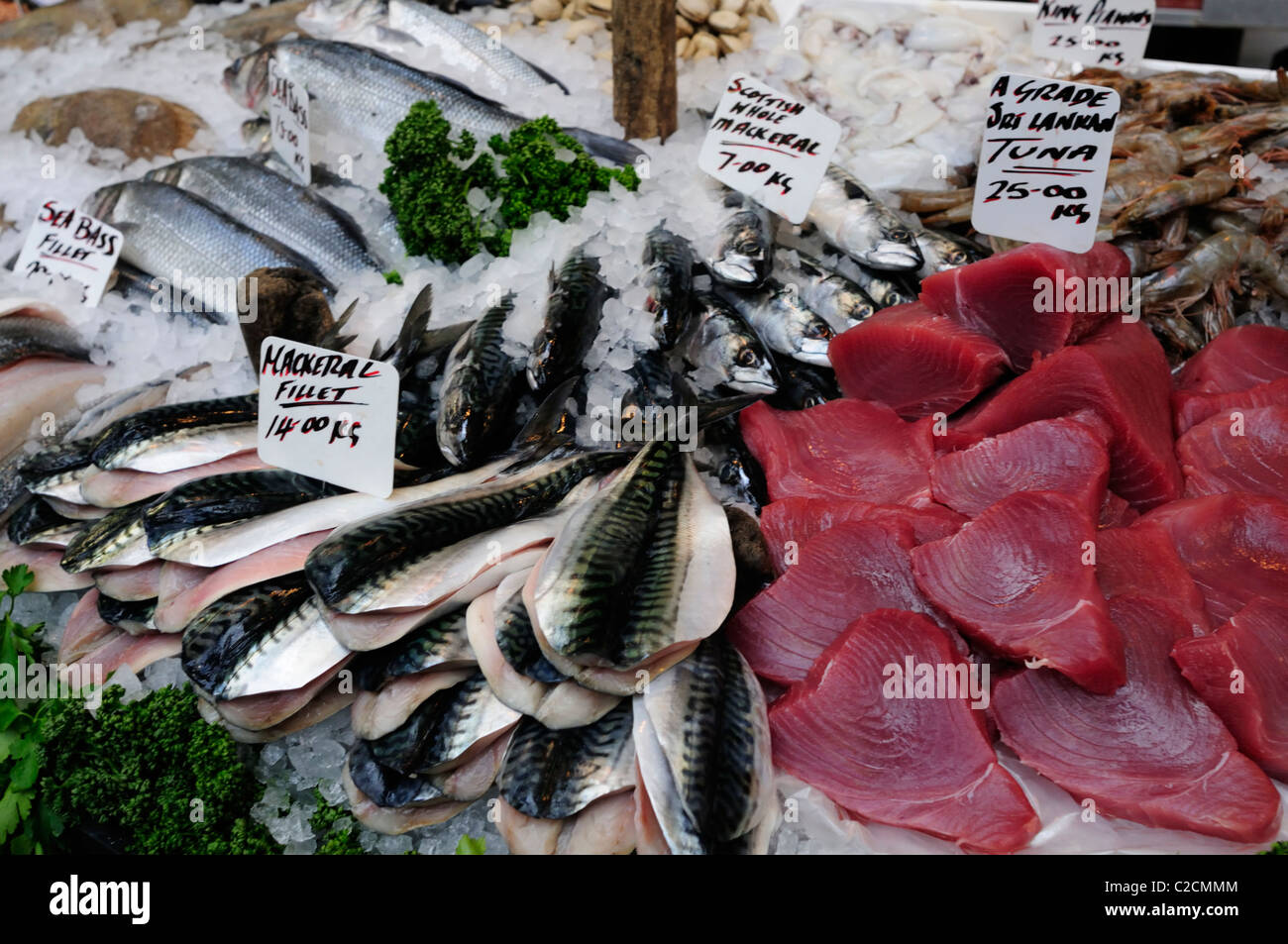Mackerel and Sri Lankan Tuna on a Fishmongers stall at Borough Market, Southwark, London, England, UK - Stock Image