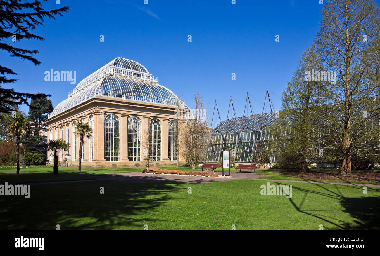 Palm House and Fossil Garden in The Royal Botanic Garden in Edinburgh Scotland - Stock Image