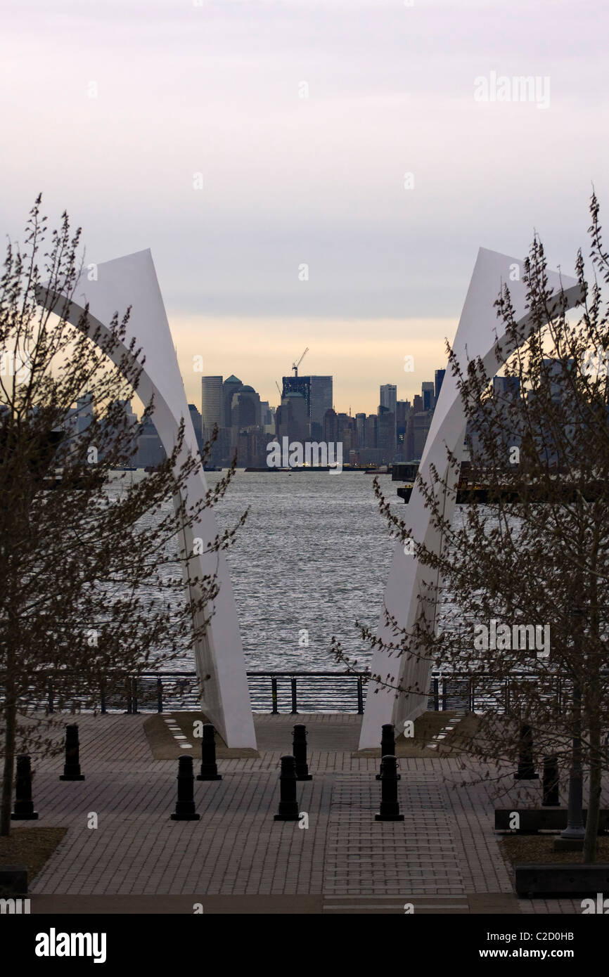 Sept 11th Memorial 'Postcards' on Staten Island in New York City looking East towards the World Trade Center. - Stock Image