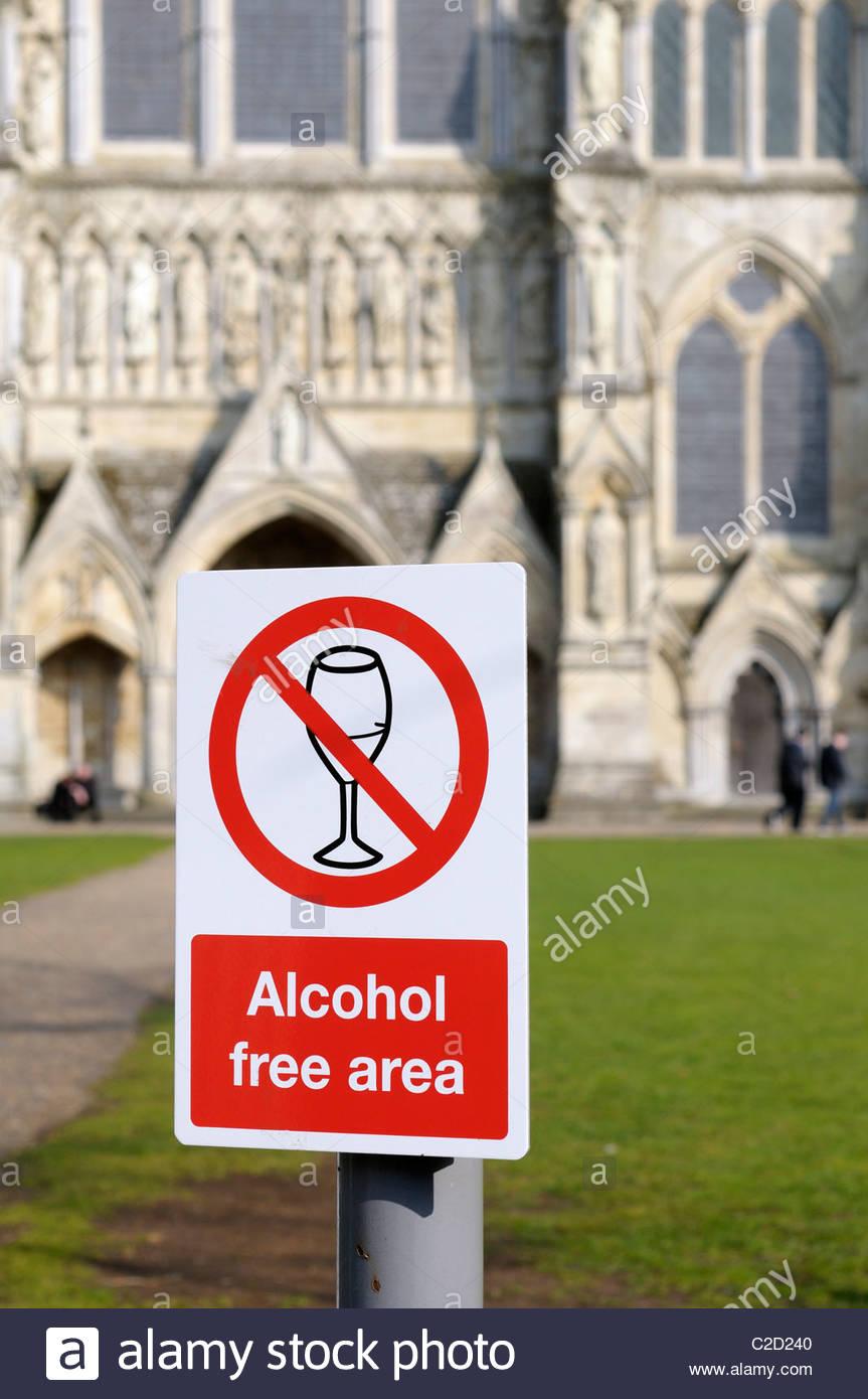 Alcohol free zone sign, Salisbury England - Stock Image