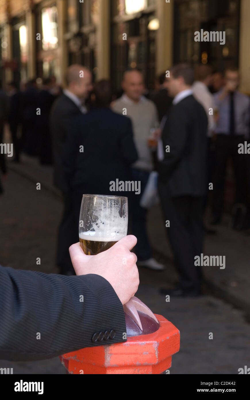 Office workers lunchtime drink City of London UK  HOMER SYKES Stock Photo