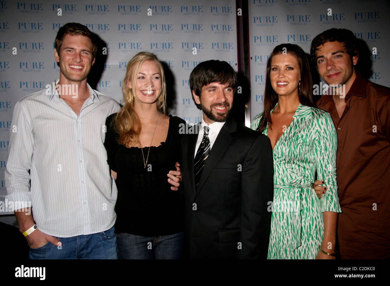 Ryan Mcpartlin Yvonne Strahovski Joshua Gomez Sarah Lancaster And Stock Photo Alamy They are attempting to use clues left behind by chuck's. https www alamy com stock photo ryan mcpartlin yvonne strahovski joshua gomez sarah lancaster and 35950656 html