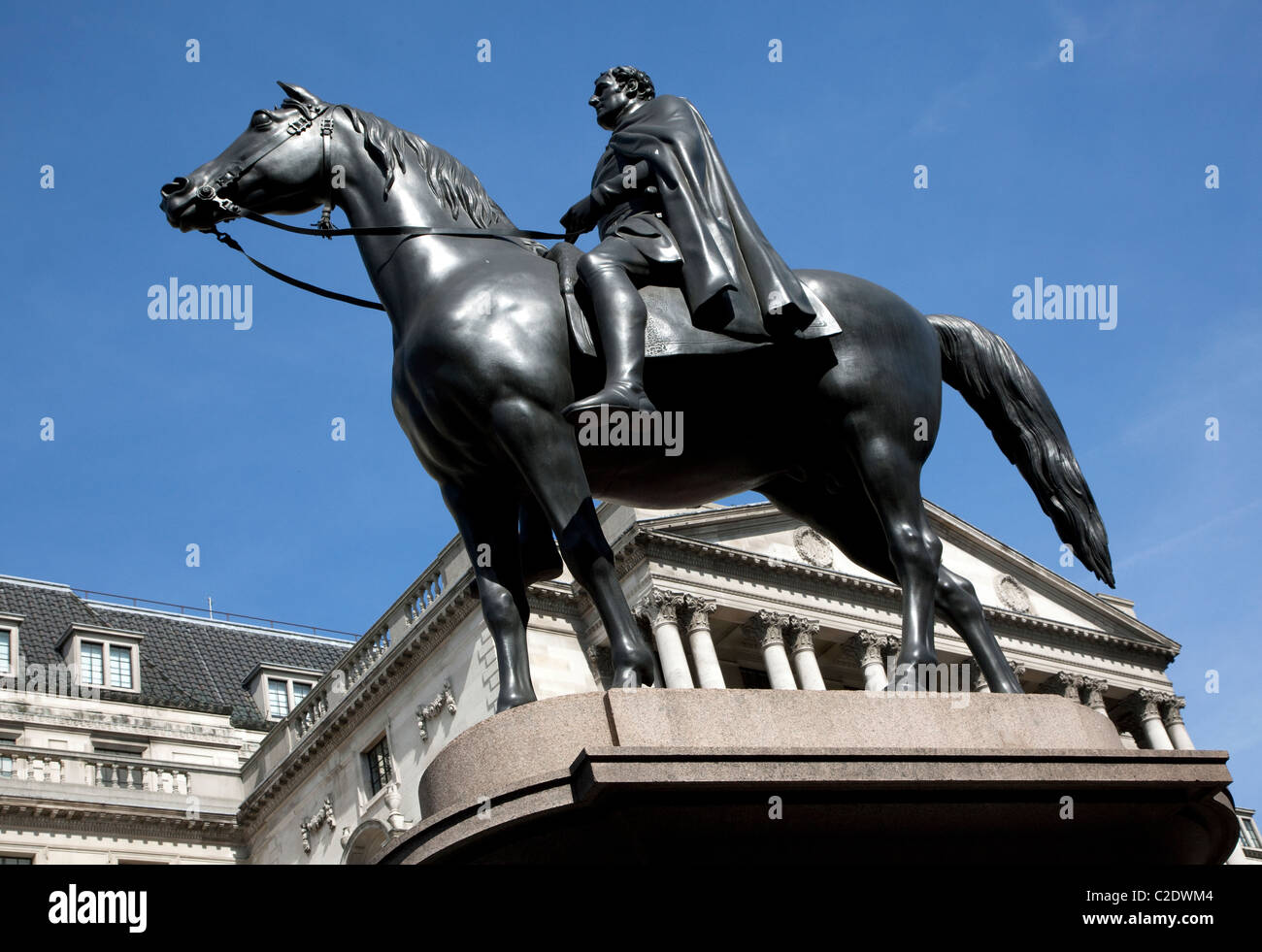 Statue of Duke of Wellington in front of Bank of England, City of London - Stock Image
