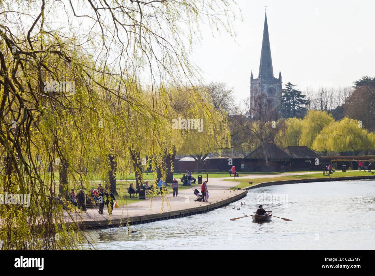Looking down the River Avon towards Holy Trinity church, Stratford upon Avon, Warwickshire, England, UK Stock Photo