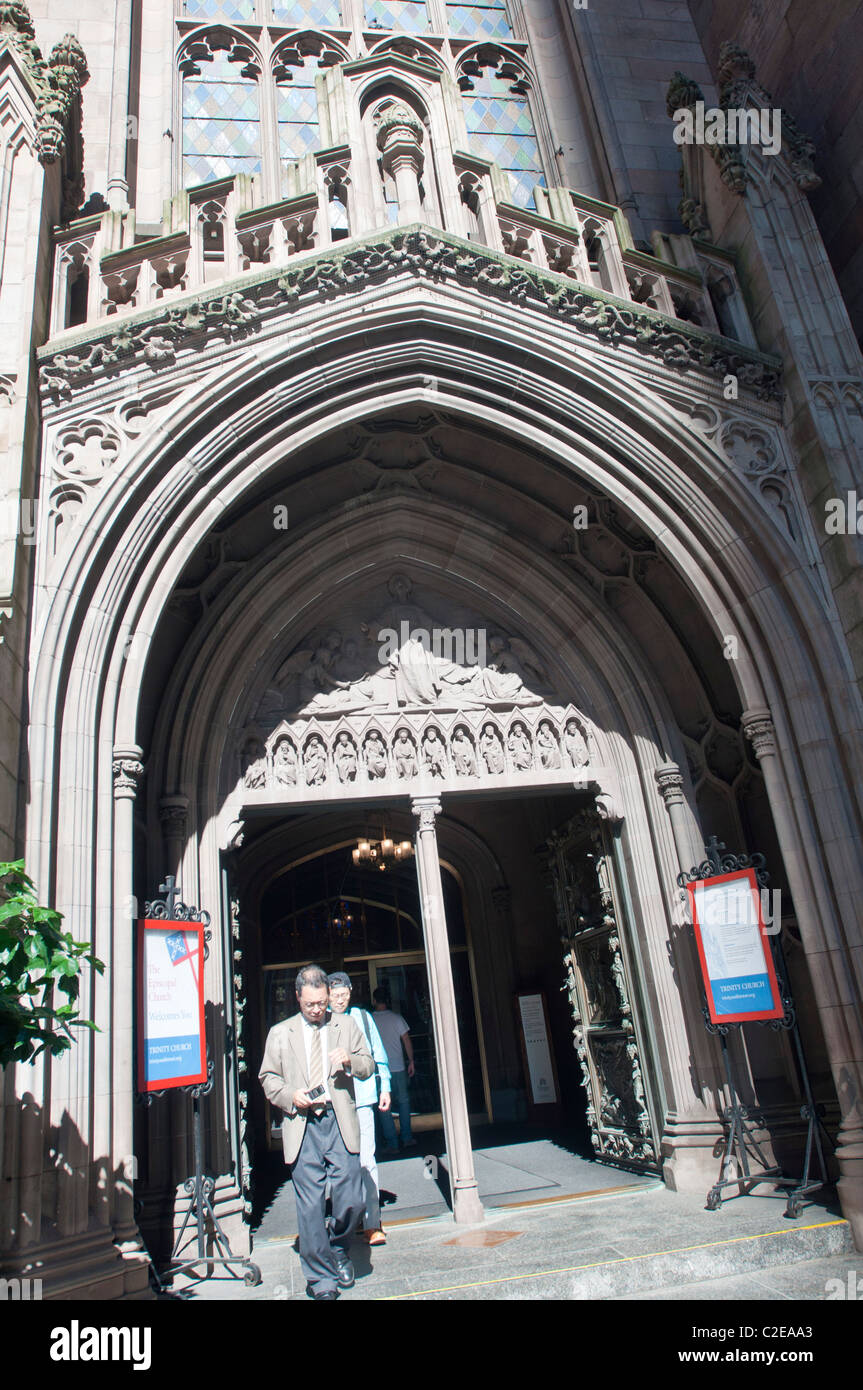 gothic revival entrance to the trinity church broadway wall street