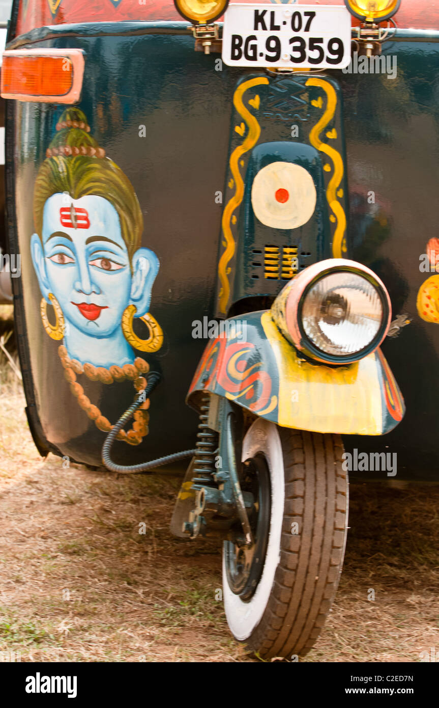 Pimped up rickshaws embark on a 4000km adventure from Cochin to Sikkim in India for the Rickshaw run - Stock Image