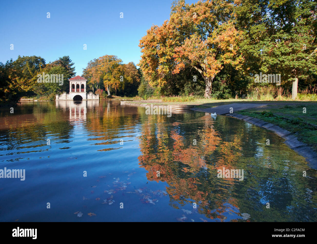 Boathouse at Birkenhead Park, Wirral, England, UK on an autumn day - Stock Image