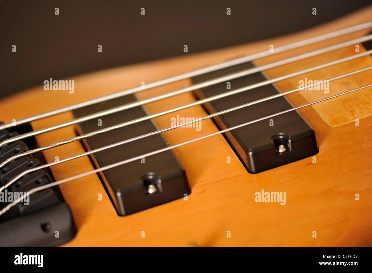 Guitar Pickups Too Close To Strings : strings guitar electric bass stock photos strings guitar electric bass stock images alamy ~ Russianpoet.info Haus und Dekorationen