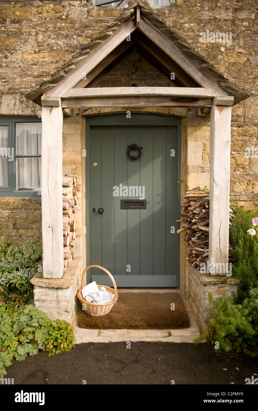 stone cotswold wood wall door porch gable side structure flat mortar