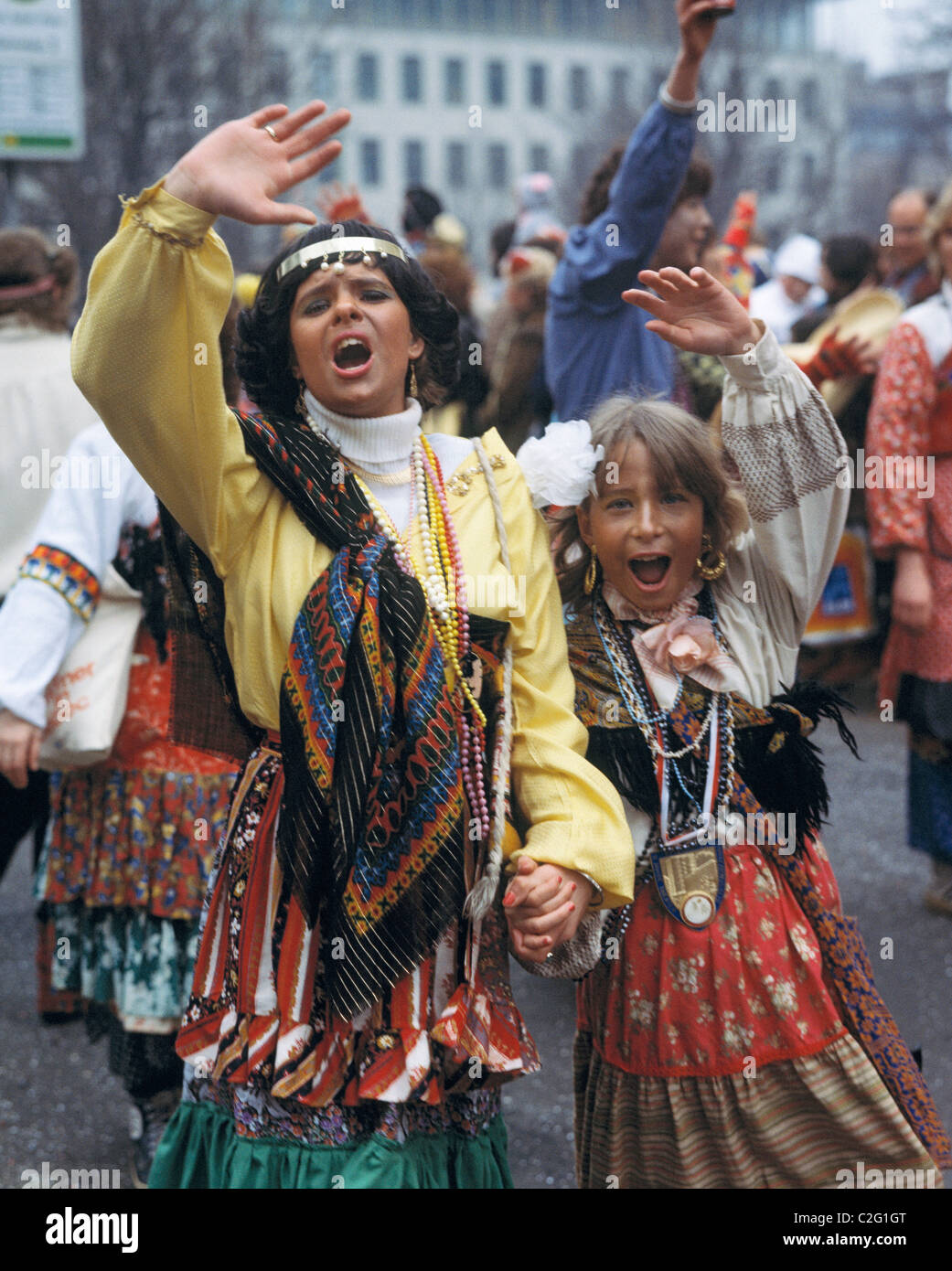 Eighties, carnival, Rhenish carnival, mother and daughter jubilating at the Shrove Monday procession, aged 30 to - Stock Image