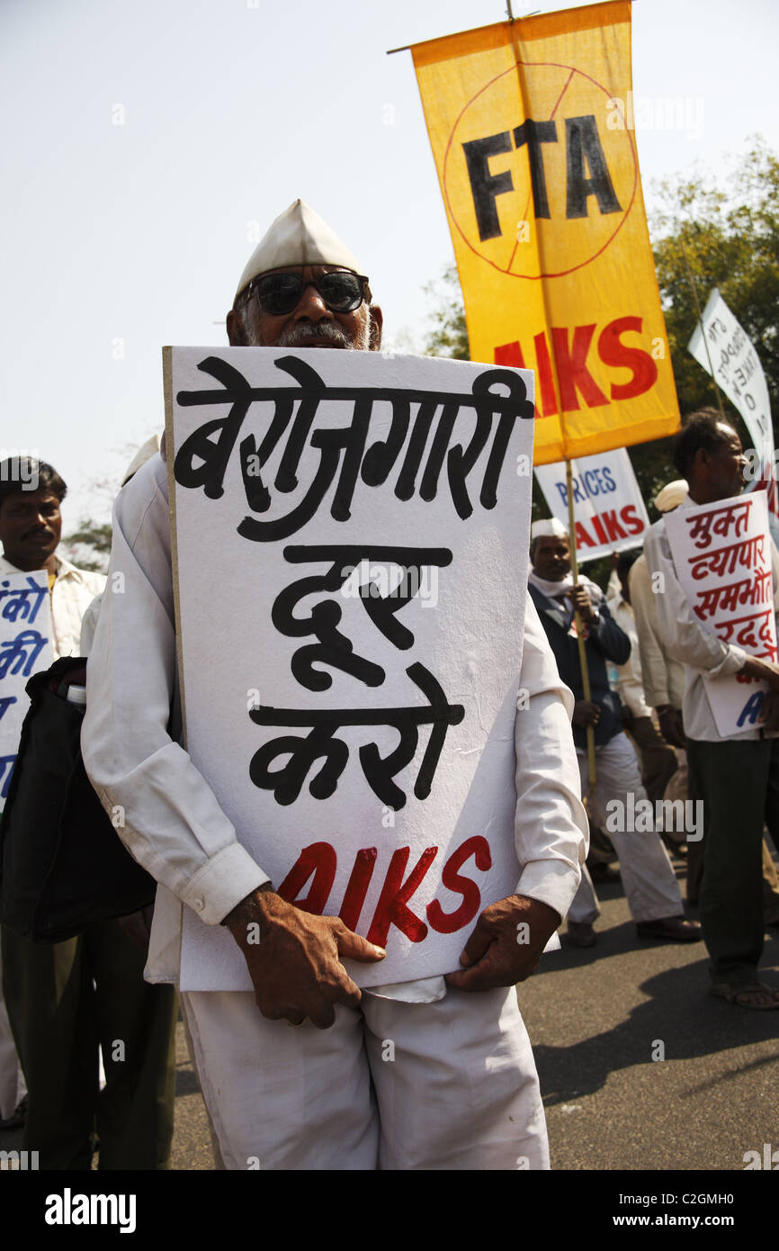 India , Delhi, 20110310, Demo der AIKS ( All India Kisan Sabha + AIAWU - All India Agricultural worker Umio ) Stock Photo