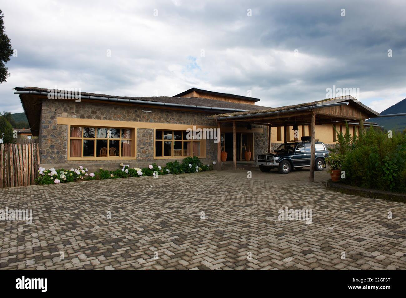 Gorilla Mountain View Lodge, Parc National des Volcans, Virunga Mountains, Rwanda, Africa - Stock Image