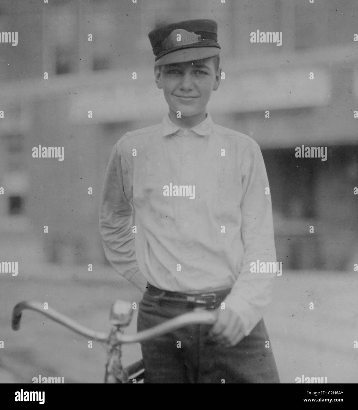 Preston DeCosta, fifteen year old messenger #3 for Bellevue Messenger Service. - Stock Image