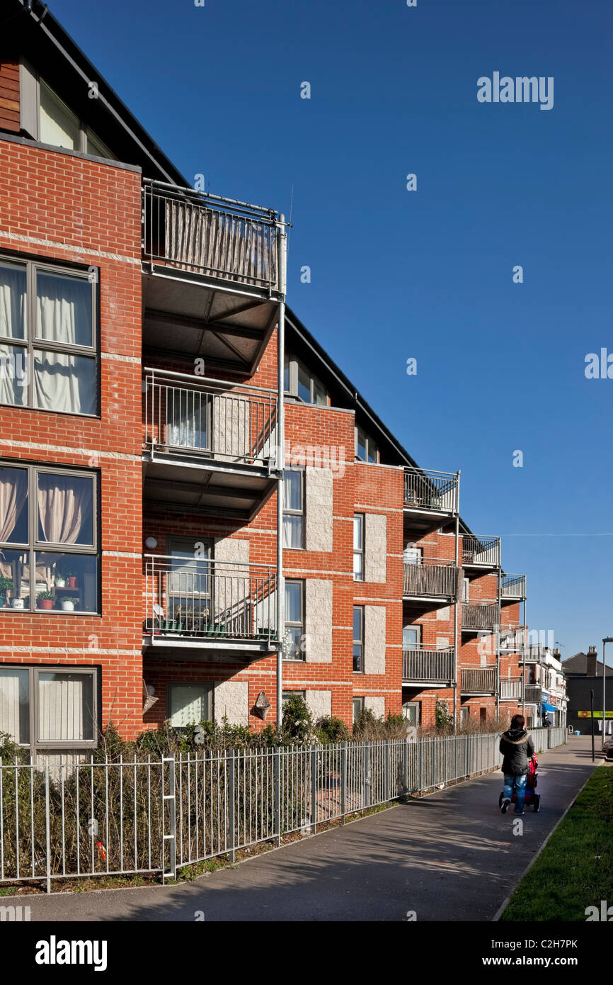 Page Road housing in Hounslow - Stock Image