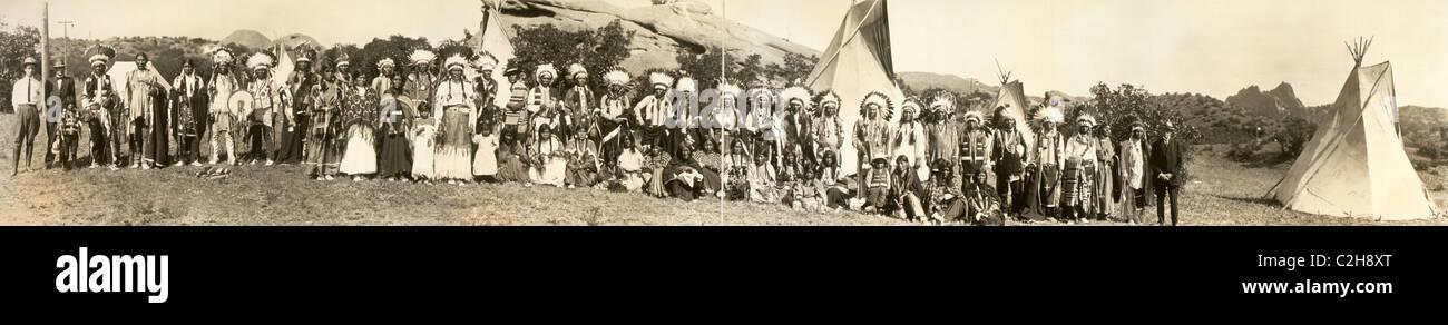 Ute Indian Camp, Garden of the Gods, Shan Kive, 1913 Stock Photo