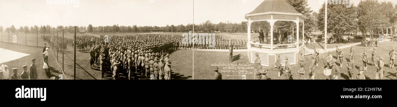 Naturalization of aliens, June 25, 1918, 310th Cavalry, Fort Ethan Allen, Vt. - Stock Image