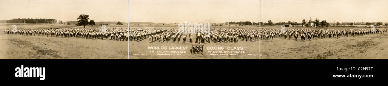 World's largest boxing class, 1st, 2nd and 3rd Battalion of 337th Inf. Brigade conducted by Billy Armstrong, - Stock Image