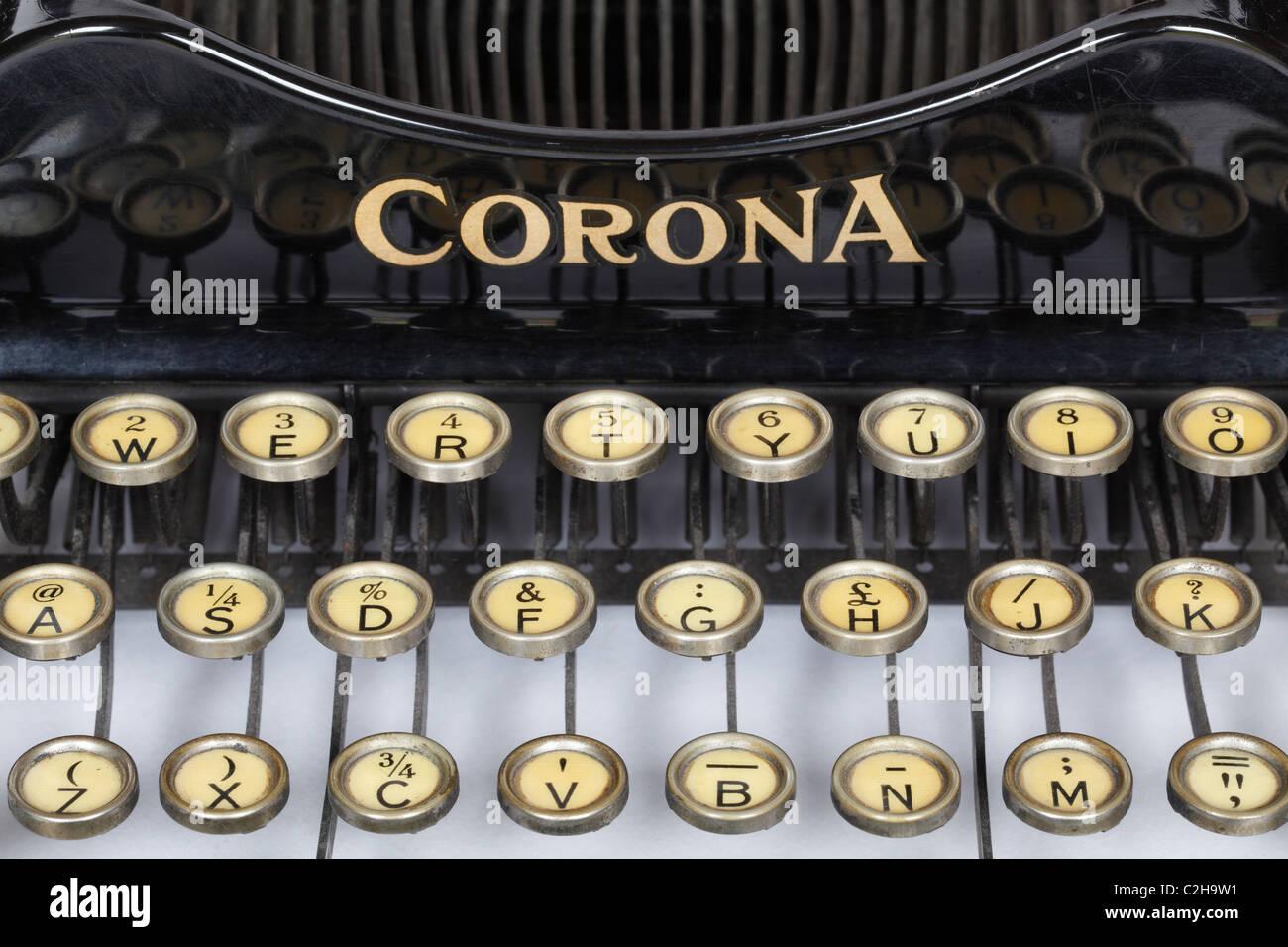 Keys on a vintage Corona 3 folding portable typewriter - Stock Image
