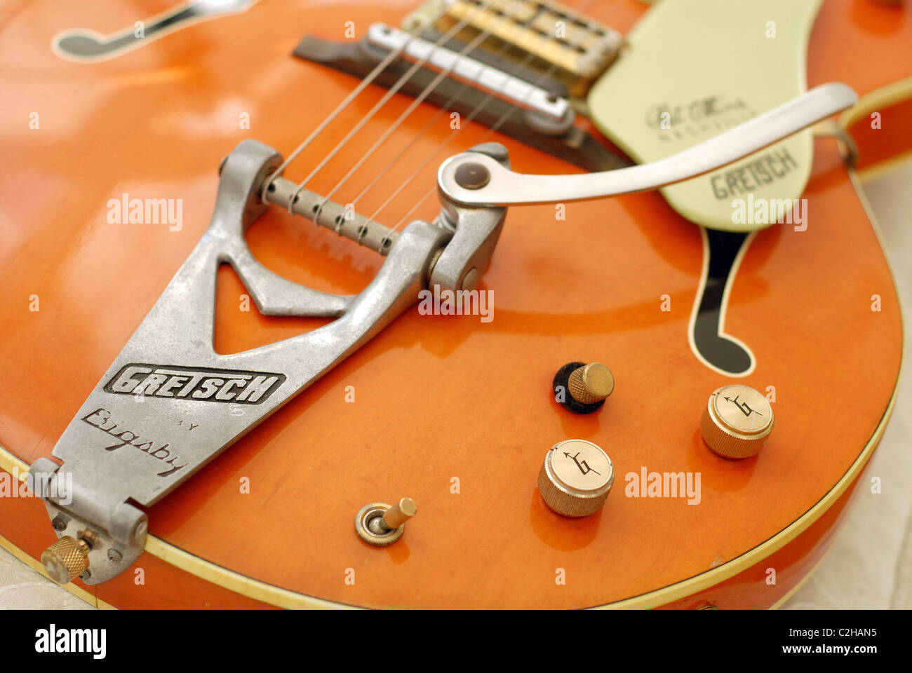 Vintage 1968 Gretsch Chet Atkins Nashville 6120 electric guitar with Bigsby vibrato. - Stock Image