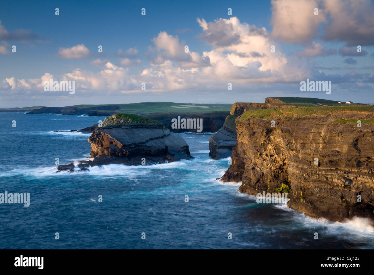 Evening light on the Atlantic coastline near Loop Head, County Clare, Ireland. - Stock Image
