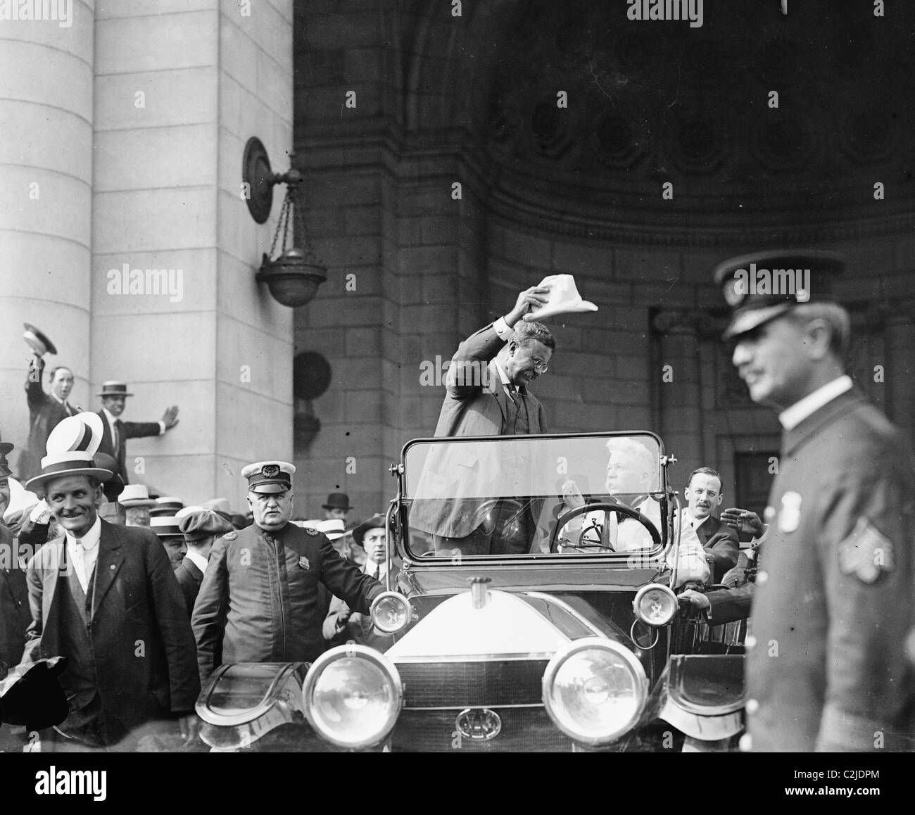 Teddy Roosevelt arriving by car at Union station, DC - Stock Image