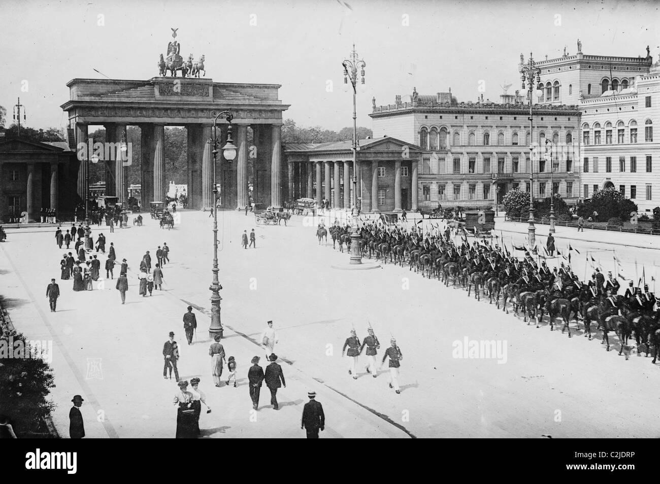 Pariser Platz and Brandenburger Thor (Paris Place and Brandenburg Gate) - Stock Image