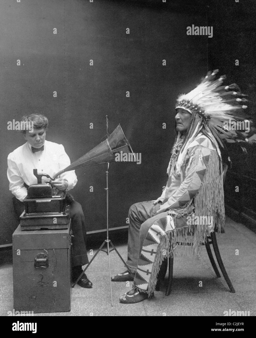Piegan Indian, Mountain Chief, having his voice recorded - Stock Image