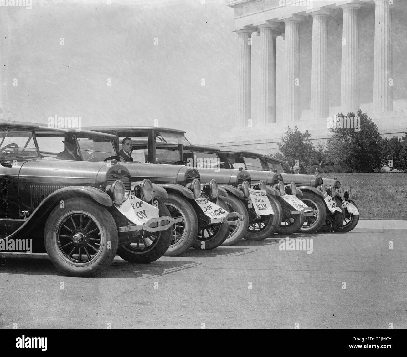 Ford Motor cars parked in front of the Lincoln Memorial in DC - Stock Image