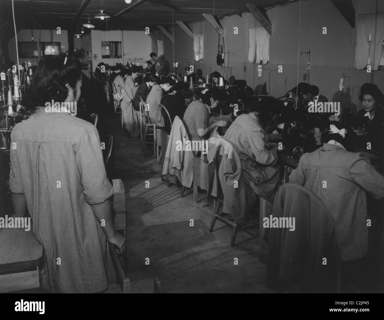Detainees at Manzanar Sewing Machines - Stock Image