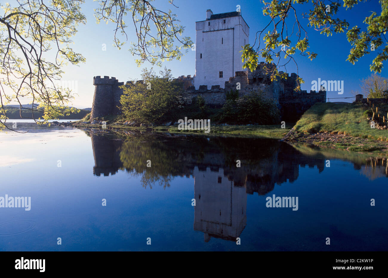 Reflection of Doe Castle in Sheephaven Bay, Creeslough, County Donegal, Ireland. - Stock Image