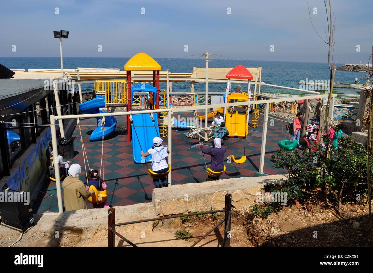 Manara, Beirut, Lebanon. Mediterranean cafe, Muslim families. Friday holiday. - Stock Image