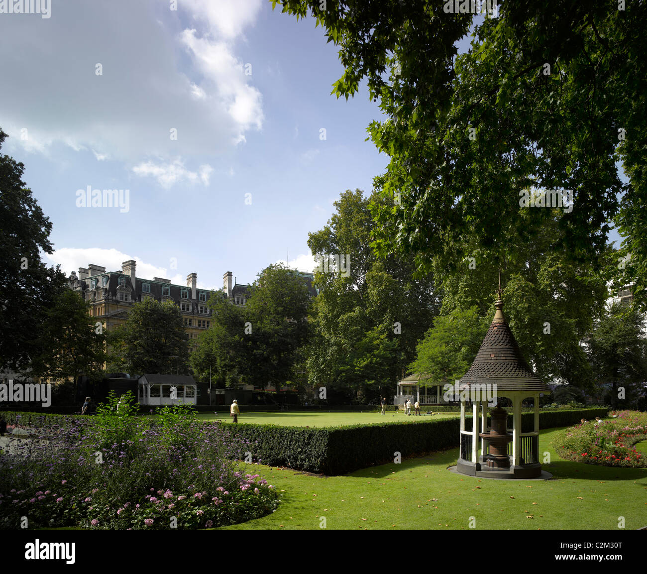 Finsbury Circus bowling green and gardens, London. - Stock Image