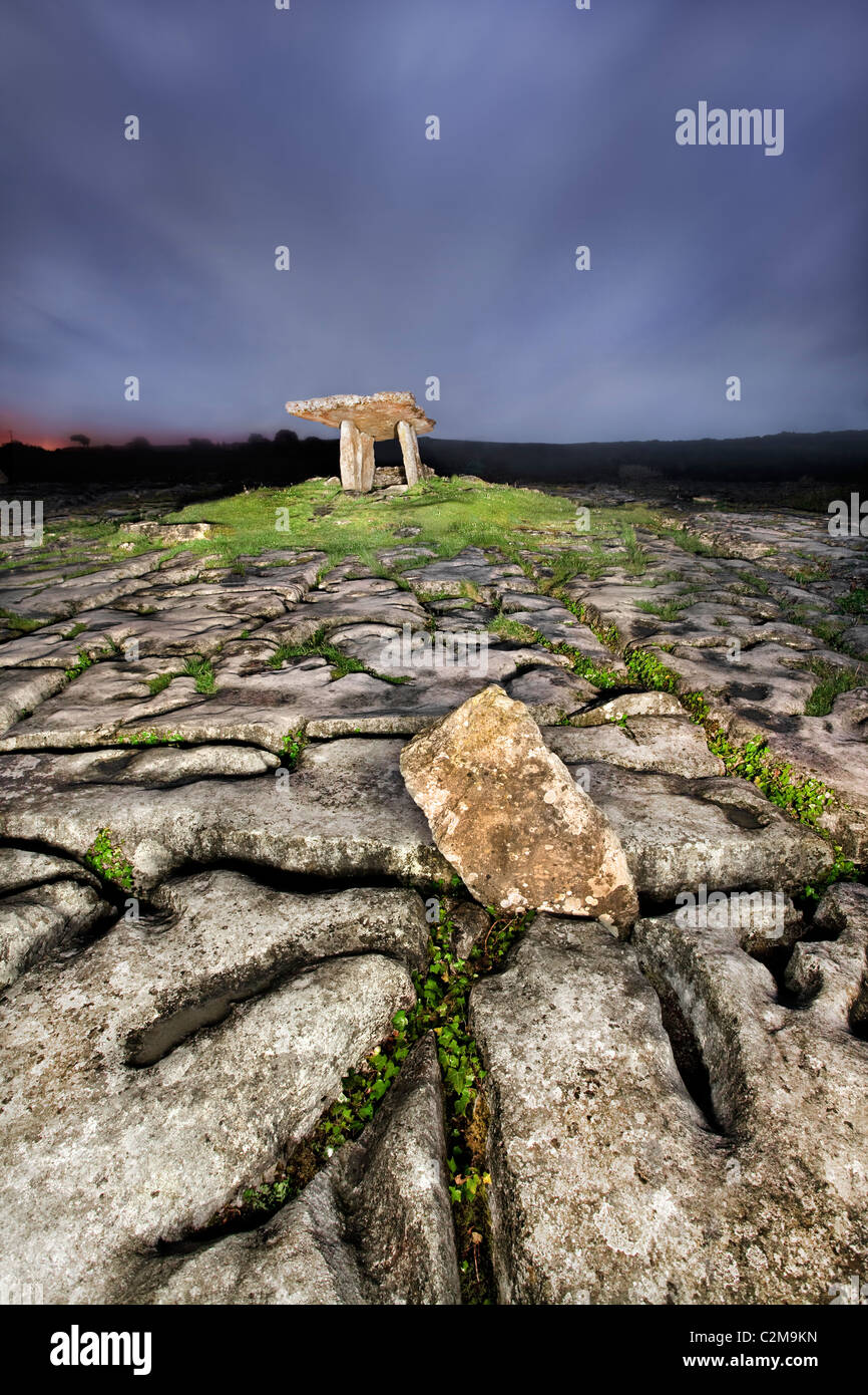 Night capture of Poulnabrone Dolmen, The Burren, Co Clare. - Stock Image