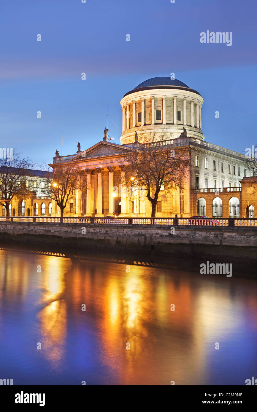 The river Liffey at dusk with the Four Courts. Dublin. - Stock Image