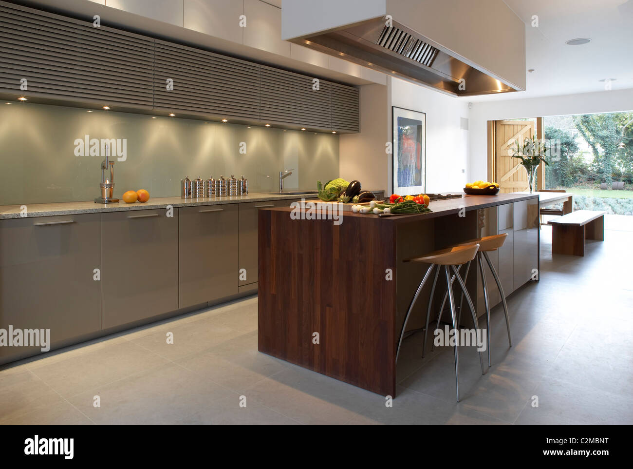 open kitchen house plans pond and park house dulwich modern open plan 21120